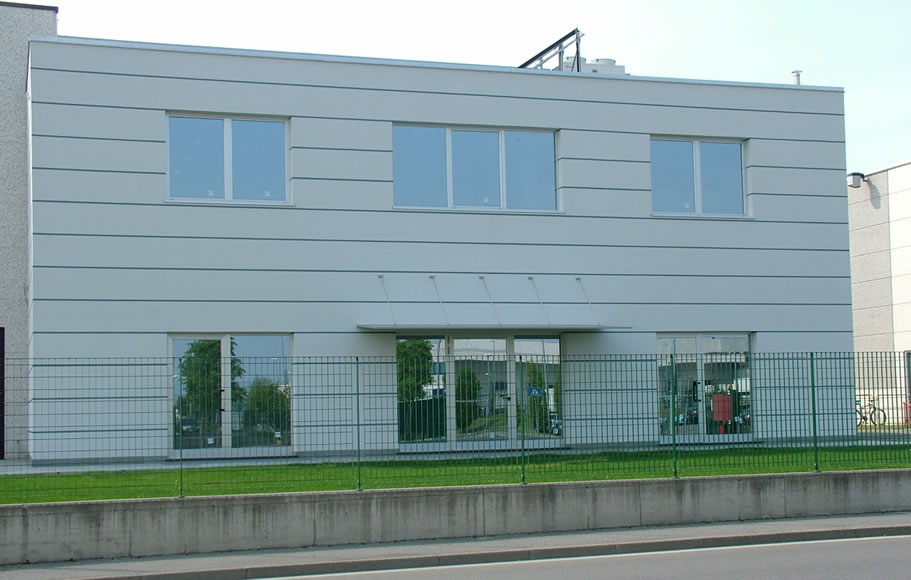 Bolgare industriale edilton for Piani di capannone per uffici esterni